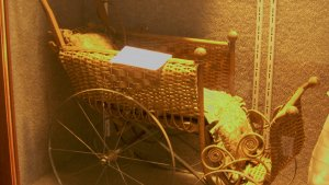 bonnifield_doll_buggy